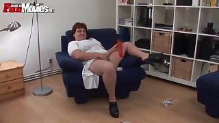 solo scene with a horny mature bbw