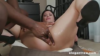 street milf anal squirting after gaping her mature asshole