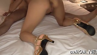 horny mom gets kinkly with dildo