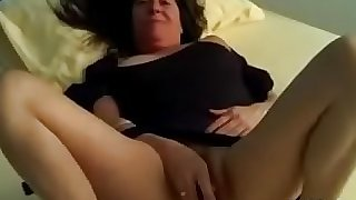 Hairy mature toying pussy at TryLiveCam.com